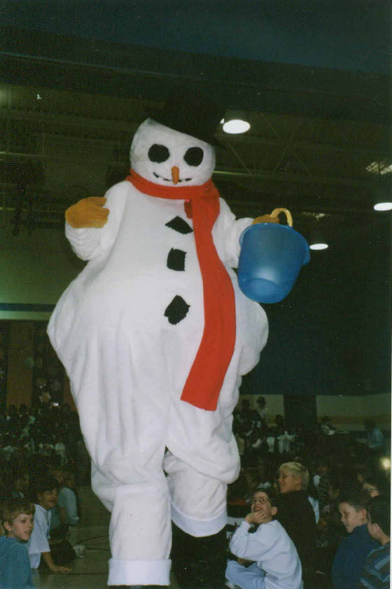 9FT.-SNOWMAN-scanner-35mm-pics-16.jpg