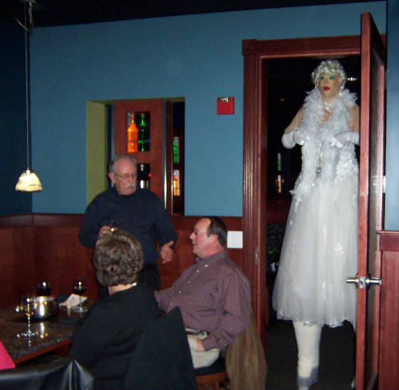 9ft.MarilynMonroe-MeltingPot-009b.jpg